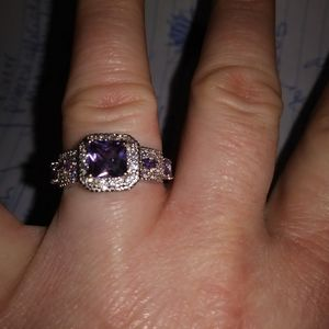 Sterling silver ring with an Amethyst princess cut